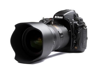 Nikon_700